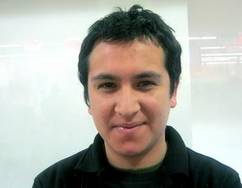 Пуэрто-Монт, Чили Пабло Артега, 24, студент. Фото с сайта theepochtimes.com