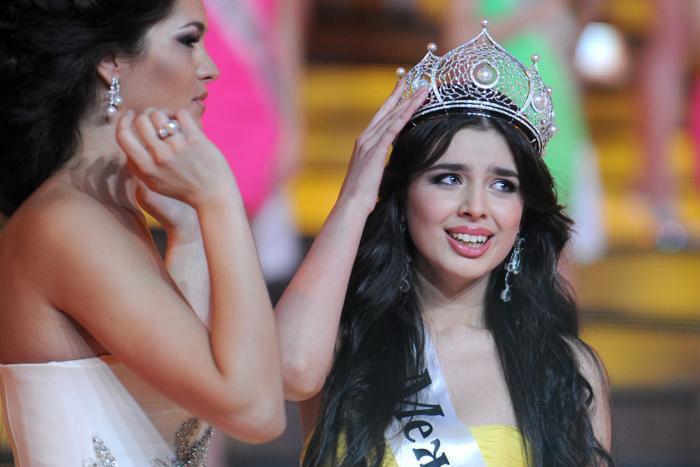 Конкурс красоты «Мисс Россия-2013» выиграла Эльмира Абдразакова. Фото: ADNREY SMIRNOV/AFP/Getty Images
