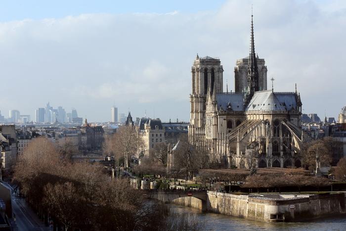 Собор Парижской Богоматери (Нотр-Дам-де-Пари) в центре Парижа — духовное сердце столицы. Фото: THOMAS SAMSON/AFP/Getty Images