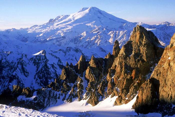 Эльбрус. Фото с сайта mountain.ru