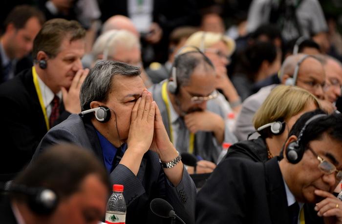 Иностранные дипломаты на пресс-конференции в Шанхае 29 мая. Фото: MARK RALSTON/AFP/GettyImages