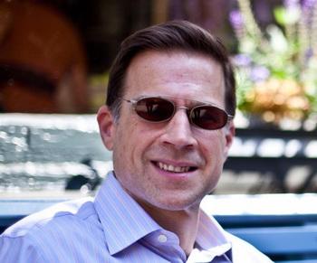 Майкл Лагана, 51 год, риелтор. Фото с сайта theepochtimes.com