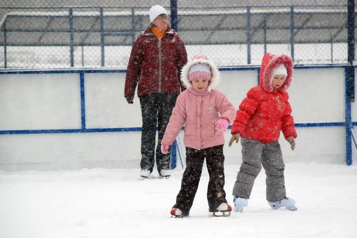 8 марта москвички могут бесплатно покататься на коньках. Фото: Юлия Цигун/Великая Эпоха (The Epoch Times)