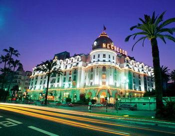 Отелю Le Negresco  в Ницце исполняется 100 лет. Фото с сайта tournavigator.ru