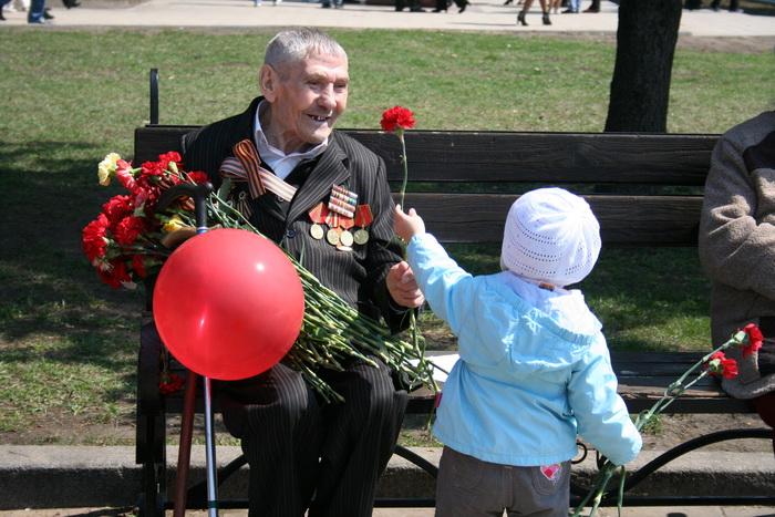 Спасибо Вам, ветераны, за наше счастливое детство! Фото: Оксана Торбеева/Великая Эпоха (The Epoch Times)