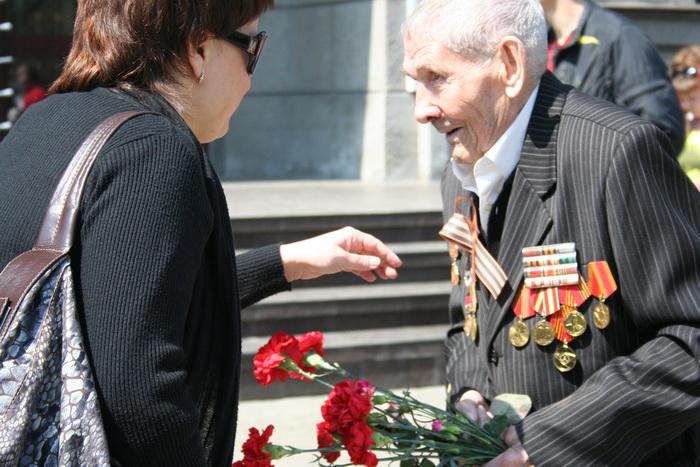 Низкий вам поклон, дорогой ветеран! Фото: Оксана Торбеева/Великая Эпоха (The Epoch Times)