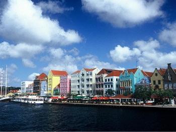 Нидерландское влияние отразилось на архитектуре Кюрасао. Фото с сайта Photos.com