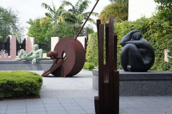 Сад скульптур в Музее Бока-Ратона, который празднует свою 60-ю годовщину. Фото: Beverly Mann