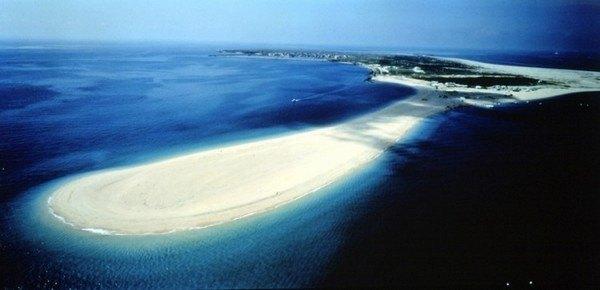Ибей является шестым по величине островом. Скрытые рифы, растущие возле острова, дали ему название. Остров имеют форму иероглифа «благоприятный» на китайском языке. (Courtesy of Taiwan Tourism)