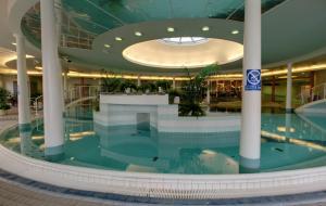 Один из бассейнов отеля Bomba ww.viking-travel.ru