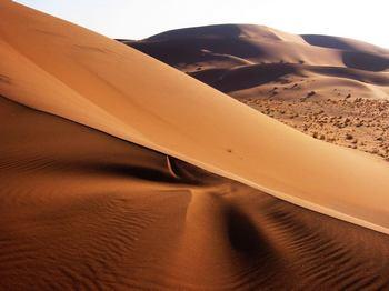 Разноцветные пески Номибии. Фото с сайта en.wikipedia.org
