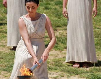 Актеры во время генеральной репетиции церемонии зажжения олимпийского огня для XXX летних Игр в Лондоне в Древней Олимпии на полуострове Пелопоннес. Фото РИА Новости