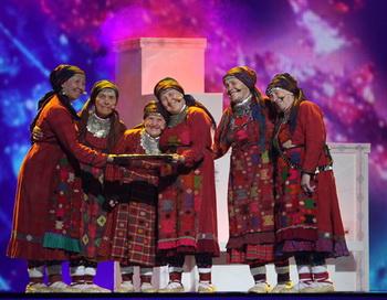 Участницы конкурса от России фольклорный коллектив
