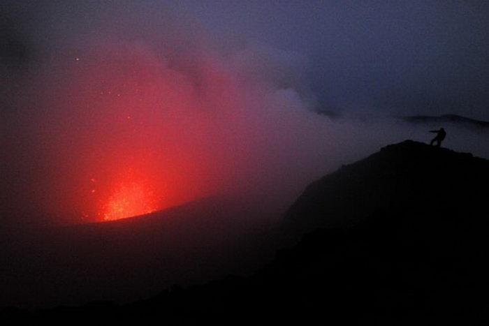 Сильная вулканическая активность около 65 миллионов лет назад могла привести к глобальному потеплению и изменению кислотности морей, что, возможно, было причиной вымирания динозавров. Фото: Torsten Blackwood/AFP/Getty Images