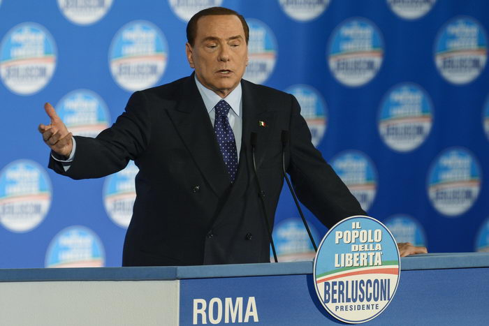 Сильвио Берлускони. Фото: ANDREAS SOLARO/AFP/Getty Images