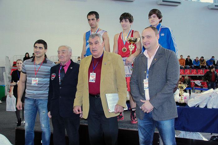 Участники турнира и почётные гости. Фото: Александр Трушников/Великая Эпоха (The Epoch Times)