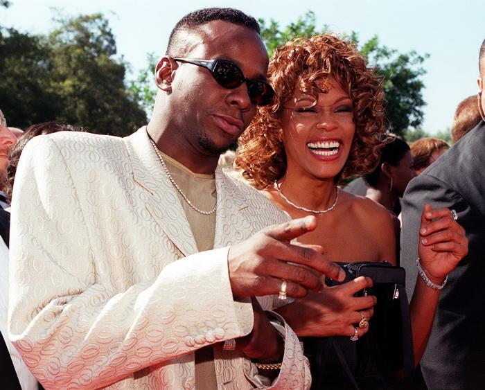 Уитни Хьюстон с супругом — певцом Бобби Брауном. 1998 год. Фото: Getty Images