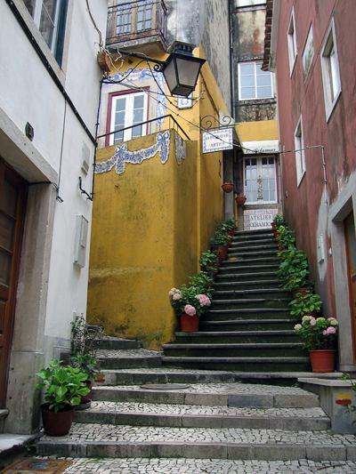 Весна в Португалии. Синтра. Улица города. Фото:away.oberweb.ru