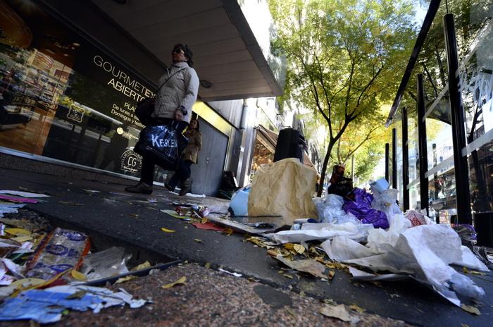 Улицы Мадрида завалены мусором. Фото: GERARD JULIEN/AFP/Getty Images