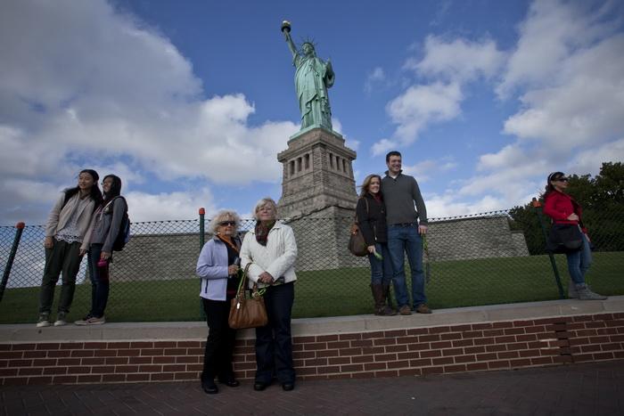 Национальные памятники США откроют для посетителей. Статуя Свободы- главный символ страны. Фото: Kena Betancur/Getty Images