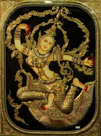 Изображение буддийской богини Тары, выполненное в стиле танджор. Художники добавляют новые элементы по требованию клиентов. Фото: Venus Upadhayaya/Великая Эпоха Epoch Times (The Epoch Times)