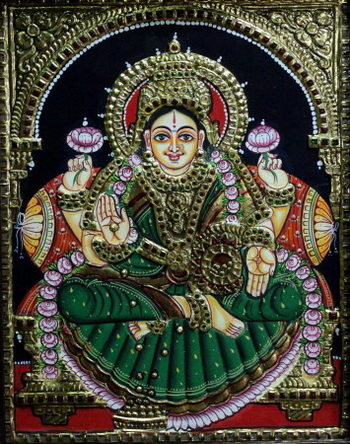 Картина с изображением индийской богини выполнена в стиле танджор художником Пинниром Сельвамом. С помощью этого традиционного стиля живописи обычно изображаются индийские боги, святые и различные истории из мифологии. Фото: Venus Upadhayaya/Великая Эпоха Epoch Times (The Epoch Times)