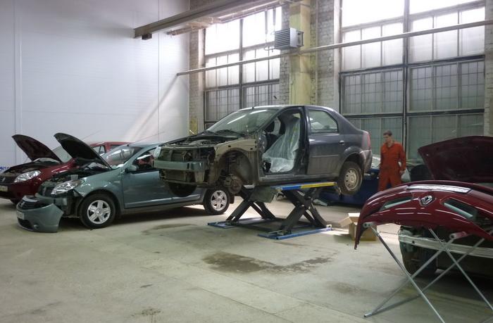 Как производят кузовной ремонт автомобиля. Фото: renault.auto-tc.ru