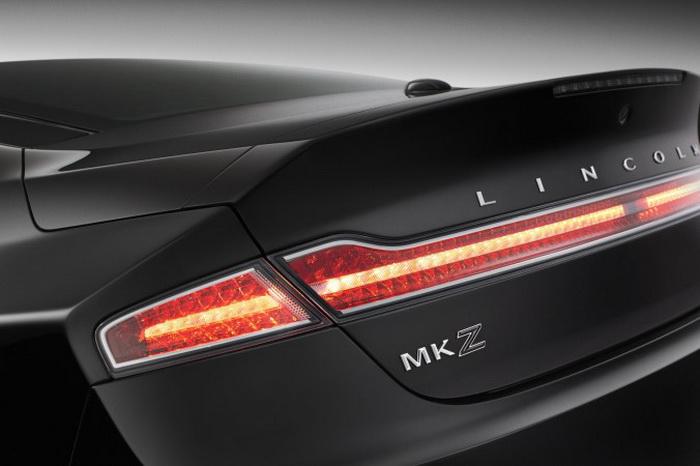 Чёрный значок бренда MKZ. Фото: Lincoln