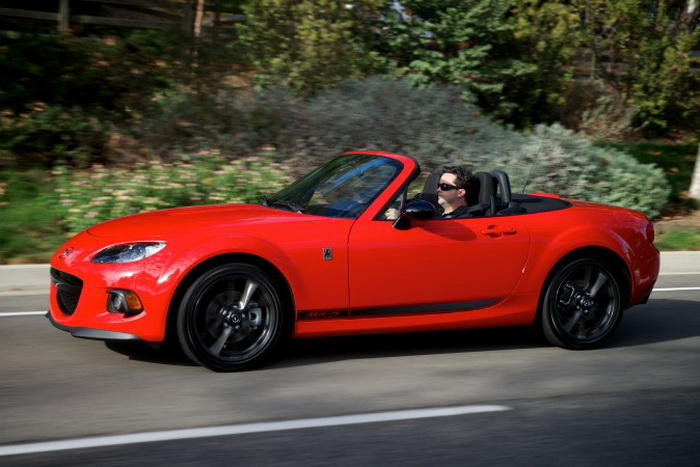 Кабриолет Mazda MX-5 Miata Club. Фото с сайта theepochtimes.com