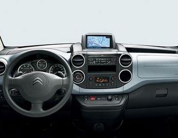 Аренда автомобиля лучше такси (Фото с сайта www.avansavto.ru)