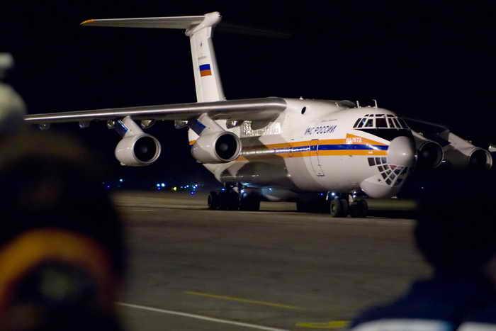 Самолёт МЧС с эвакуированными из Ливии россиянами вылетел в Москву. Фото: ADALBERTO ROQUE/AFP/Getty Images