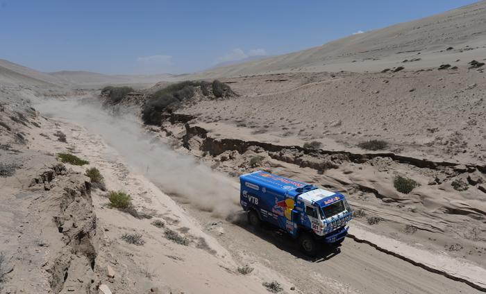 Выступление грузовиков «КАМАЗ» на ралли «Дакар—2013» в Перу. Фото: Shaun Botterill/Getty Images