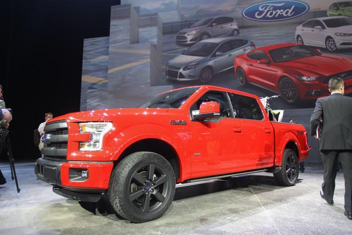 Ford F150 представили среди премьер 2014 года на пресс-показе автосалона в Детройте 13 января. Фото: GEOFF ROBINS / AFP / Getty Images
