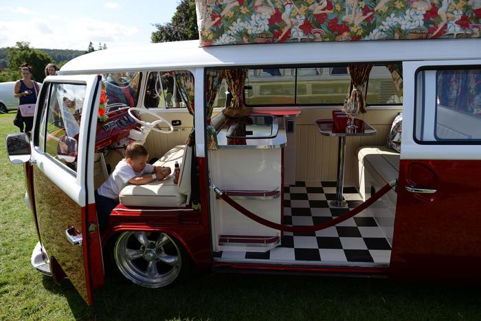 Ежегодный фестиваль автомобилей «Фольксваген» (VW, Volkswagen) прошёл 17-18 августа 2013 года в английском городе Лидс (Йоркшир). Фото: Nigel Roddis/Getty Images