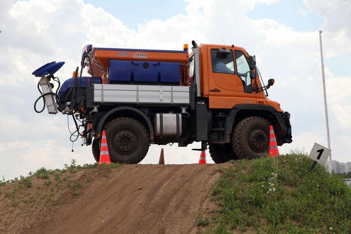 Mercedes-Benz in action. Special Trucks в Москве. Демонстрация специальной техники. Фоторепортаж. Фото предоставлено ООО «МБ Тракс Восток»
