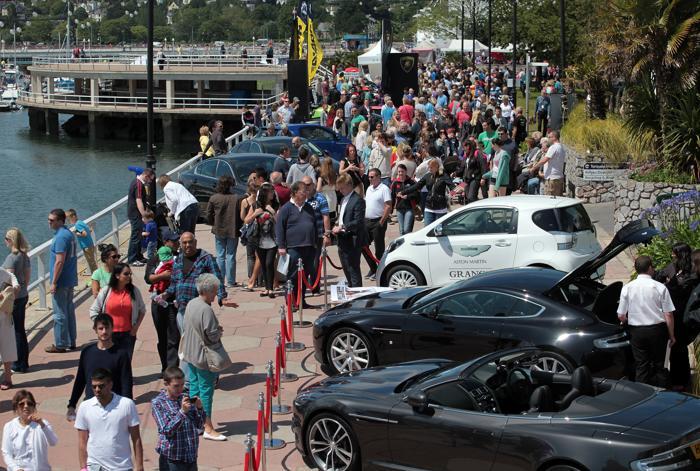 Автомобили, яхты и велосипеды на фестивале Super Weekend в Торки. Фоторепортаж. Фото: Matt Cardy/Getty Images