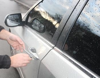 Вскрытие автомобилей профессионалами. Фото: autokluch.net