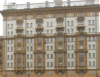 Здание посольства США в Москве. Фото: ANDREY SMIRNOV/AFP/Getty Images