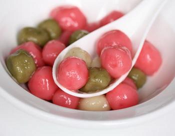 Сладкие рисовые шарики. Фото: kirbiecravings.com