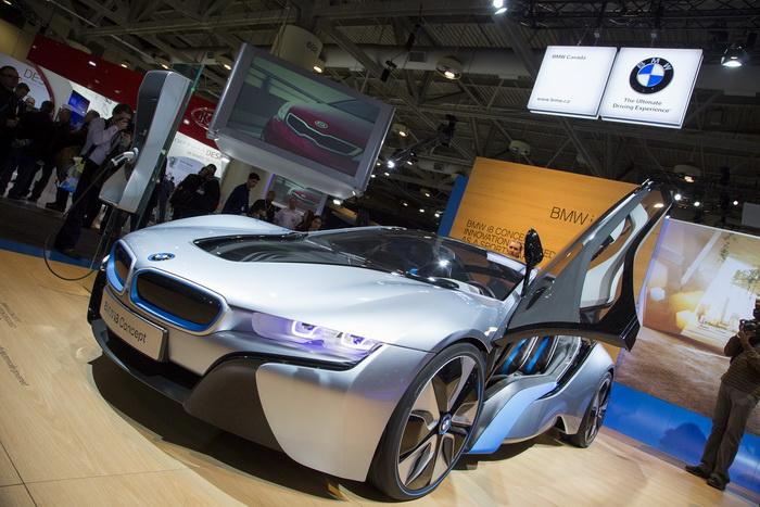 Концепт BMW i8, показанный на международном автошоу в Канаде, будет запущен в серийное производство. Эван Нин/Великая Эпоха (The Epoch Times)