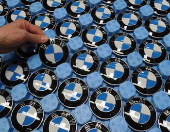 BMW отзывает более миллиона автомобилей  по всему миру. Christof Ctache/AFP/Getty Images