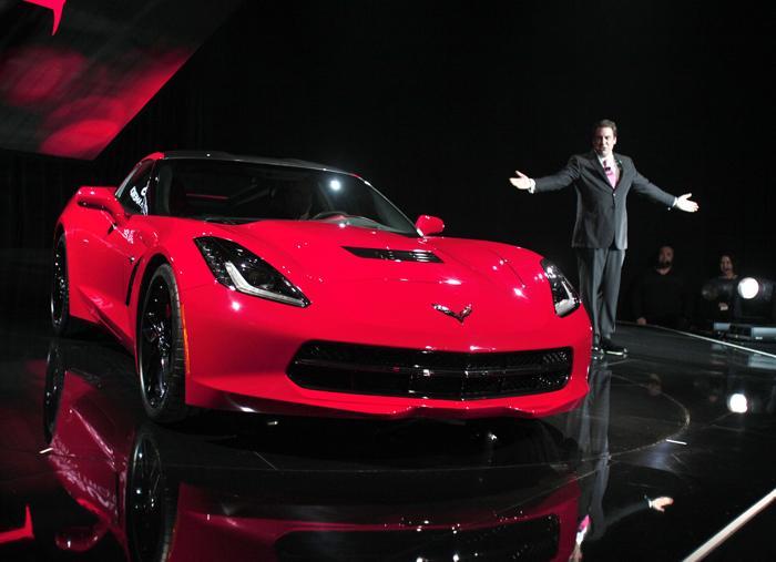 Премьера нового поколения Chevrolet Corvette C7 на автосалоне в Детройте, 13 января 2013 года. Фото: Bill Pugliano/Getty Images