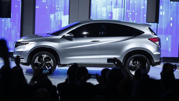 Honda показывает концепцию городского внедорожника на Североамериканском автосалоне в Детройте, 14 января 2013 года. Фото: Bill Pugliano/Getty Images