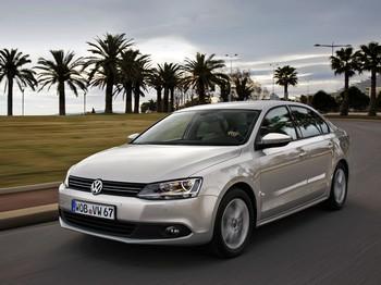 Немецкий производитель Volkswagen принимает заказы на Jetta нового поколения для российских покупателей. Фото с drive.ru