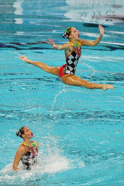 Фоторепортаж с первого дня соревнования по синхронному плаванию на стадионе