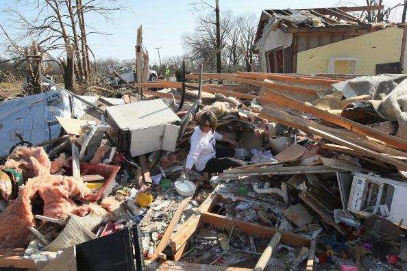 Торнадо на Среднем Западе США разрушили множество поселений. Фото: Scott Olson/Getty Images