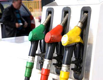 Очередной топливный кризис – в конце прошлого года были массовые жалобы на резкое повышение цен на топливо, теперь же  в нескольких регионах России появилась опасность  и вовсе  остаться без горючего. Фото с сайта avto.mail.ru