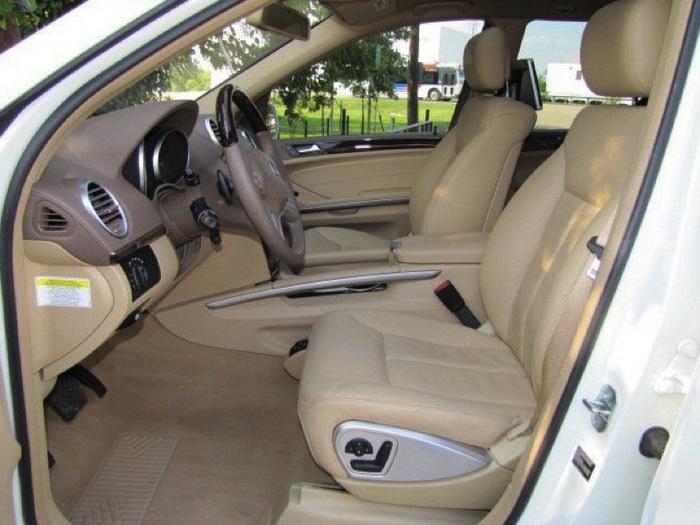 Mercedes-Benz GL550 4MATIC внутри. Фото: «Кроун Транзит»