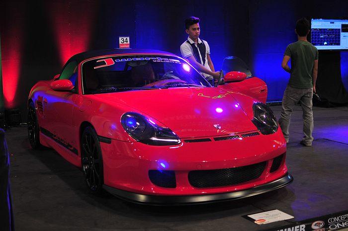 Автомобильная выставка Trans Sport Show открылась на Филиппинах 30 мая по 2 июня 2013 г. Фото: Veejay Villafranca/Getty Images