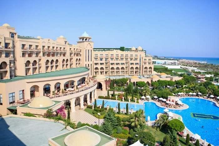 Бронируйте отели с рекомендацией «SUNMAR» и получайте гарантированное качество размещения, приоритетное подтверждение брони и лучшие цены. Фото: Sunmar.ru